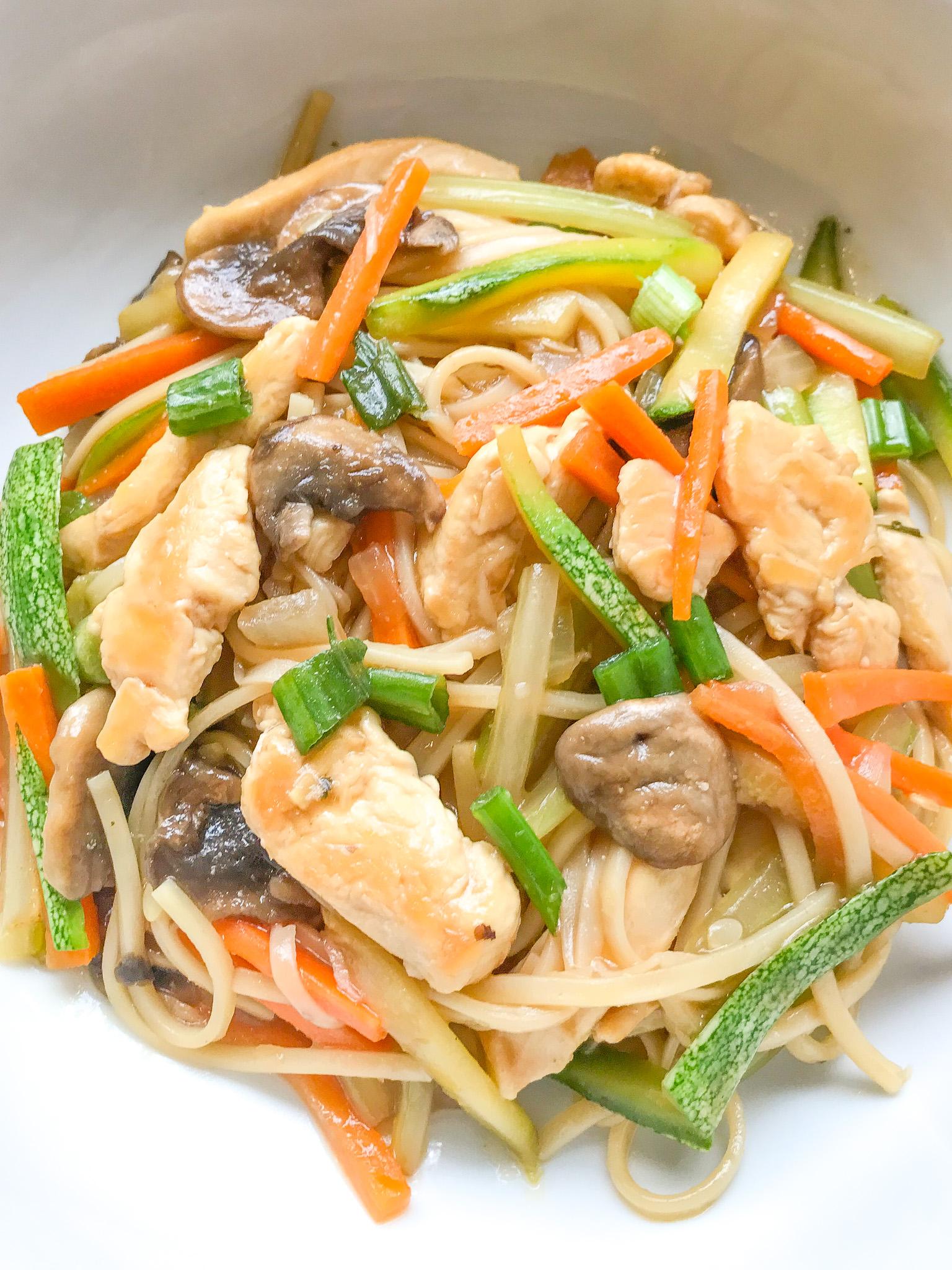 Chicken Vegetable Lo Mein